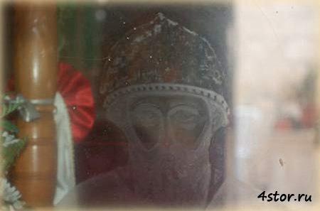 Плачущие статуи и иконы