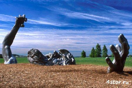 Жуткие скульптуры, памятники