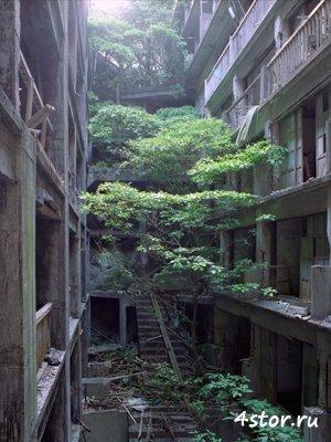 Все еще часто больше чем 5 000 человек жили здесь в течение семидесятых.