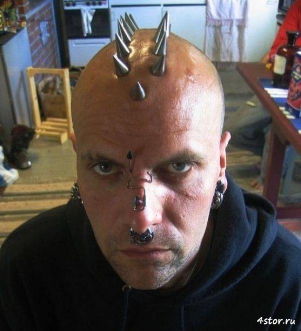 Тату рога на голове