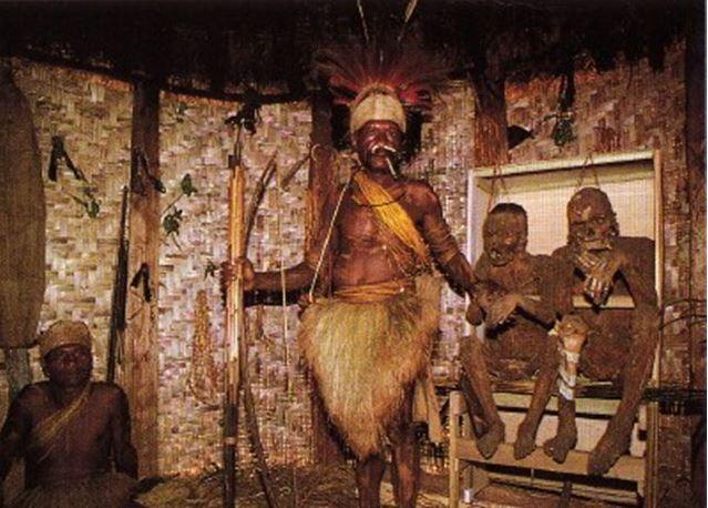 Необычные племена: копченые мумии ангу