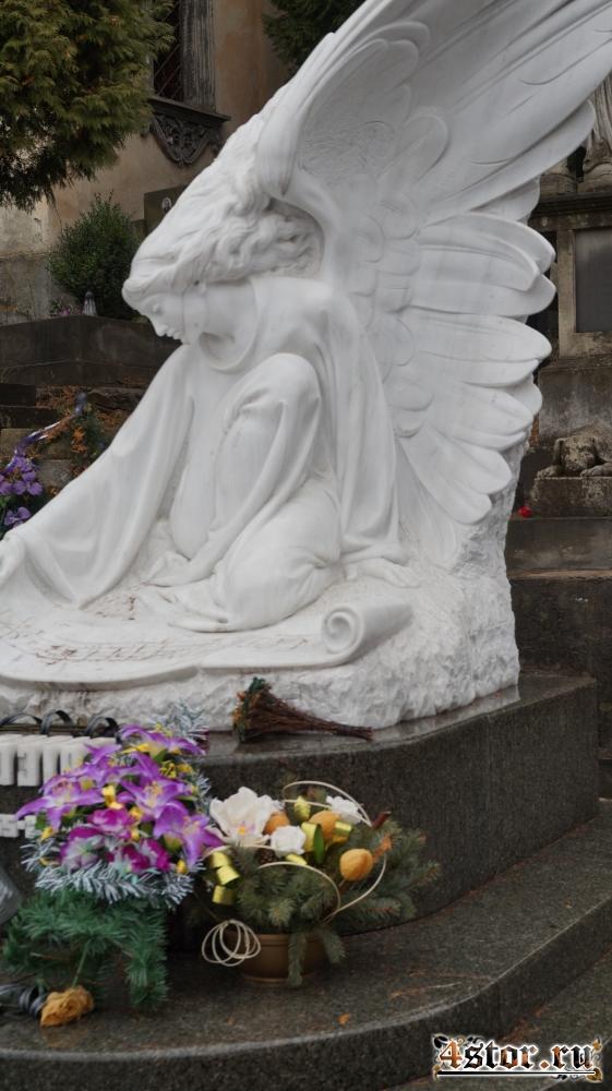Мертва казка Личаківського цвинтарю (Мёртвая сказка Лычаковского кладбища). Часть 1