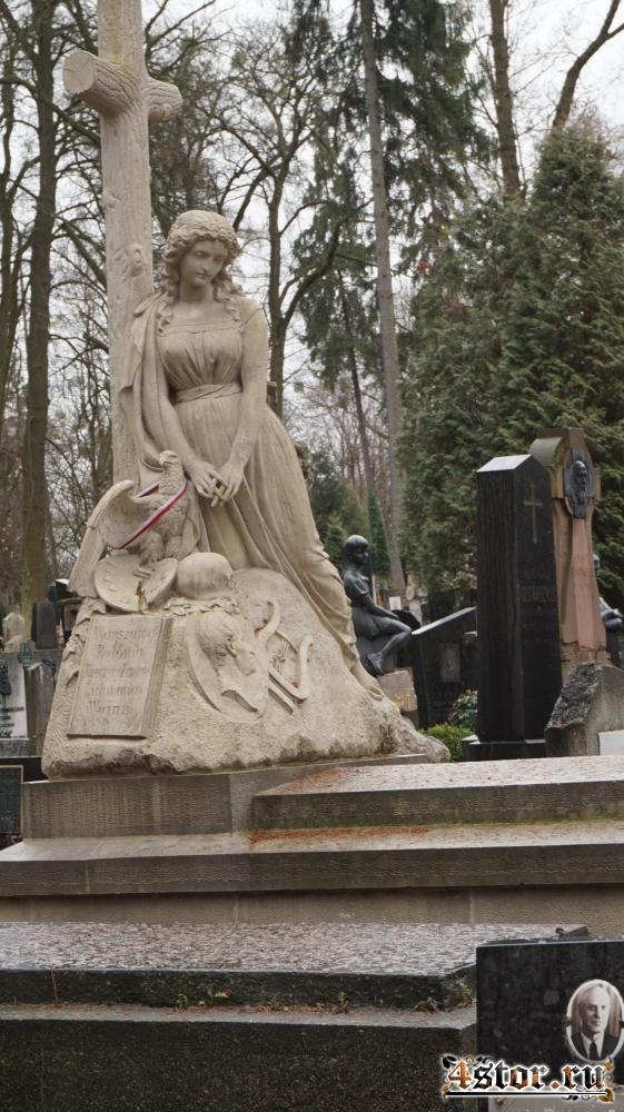 Мертва казка Личаківського цвинтарю (Мёртвая сказка Лычаковского кладбища). Часть 3: Практически Ромео и Джульетта...