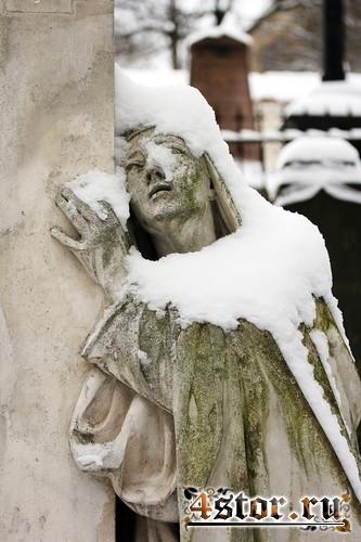 Зимние кладбищенские пейзажи