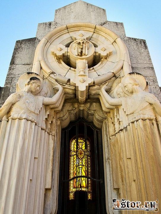 Призраки и легенды кладбища Сан Мигель (Малага, Испания)