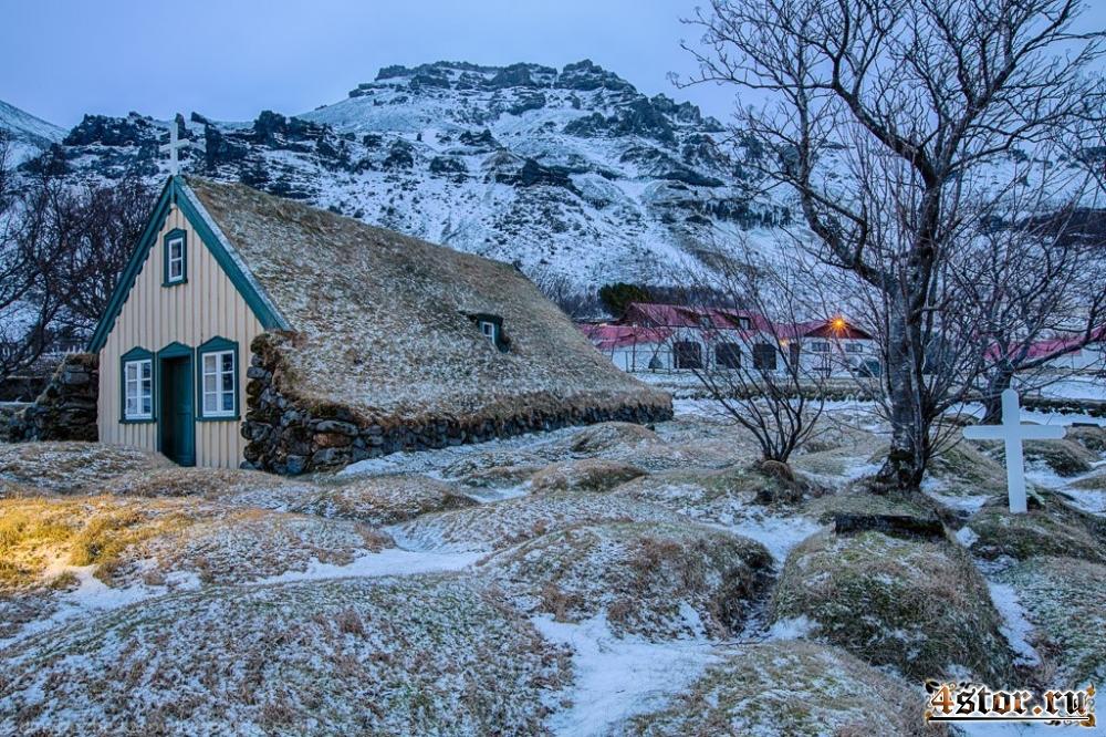Последняя торфяная церковь в Исландии