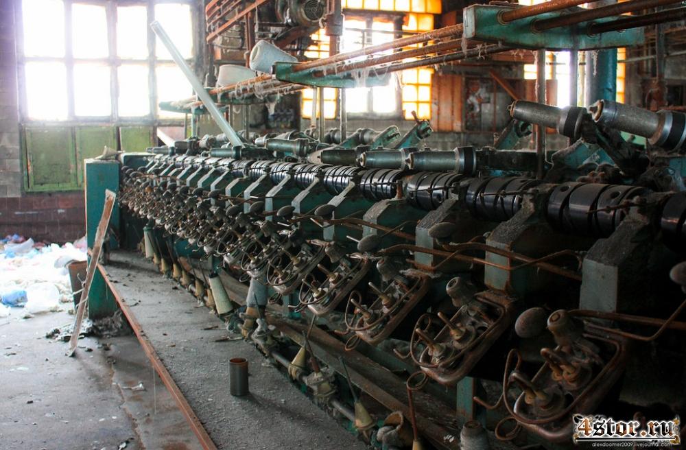 Заброшенный цех текстильной фабрики