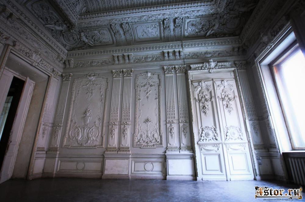 Старинный особняк в Петербурге